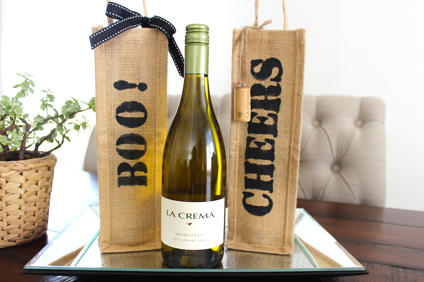 Stumped for a hostess gift? Looking for a fun bottle bag party favor? Our friend Tracy Pendergast has a fun, inexpensive wine bottle bag DIY you just have to try.