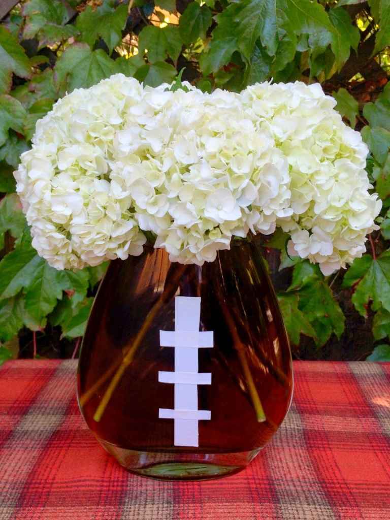 Tailgating Tips: Ideas for throwing a football-themed fest.