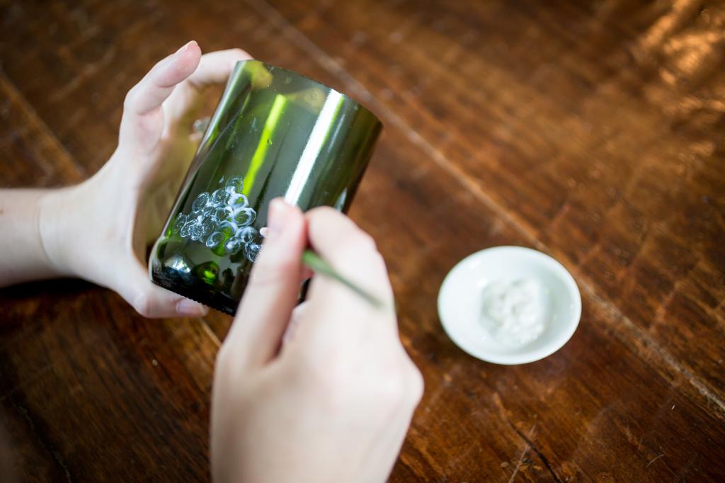 DIY Etched Wine Bottle Votive Holder. Etching portion