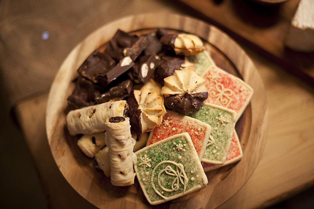 Holiday dessert plate