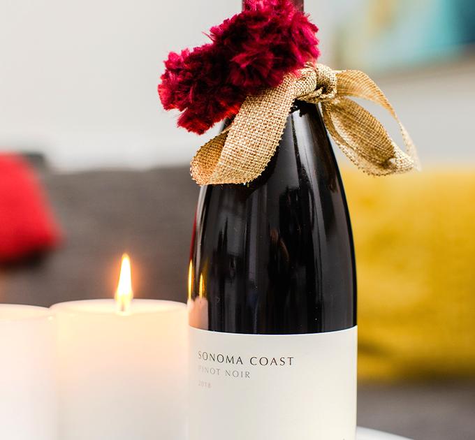 La Crema Sonoma Coast Pinot Noir Gift Wrap