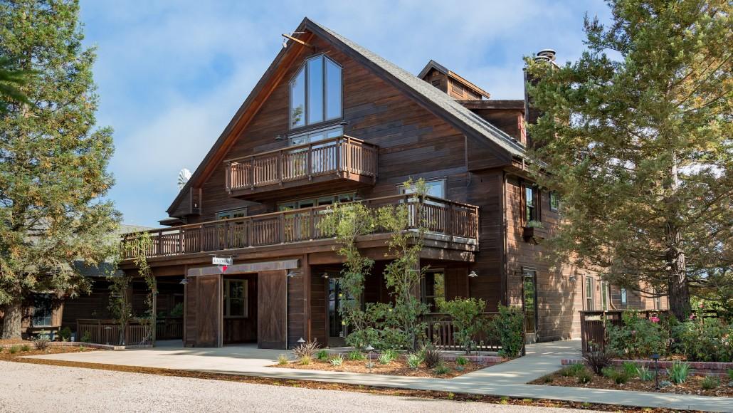 La Crema Estate at Saralee's Vineyard