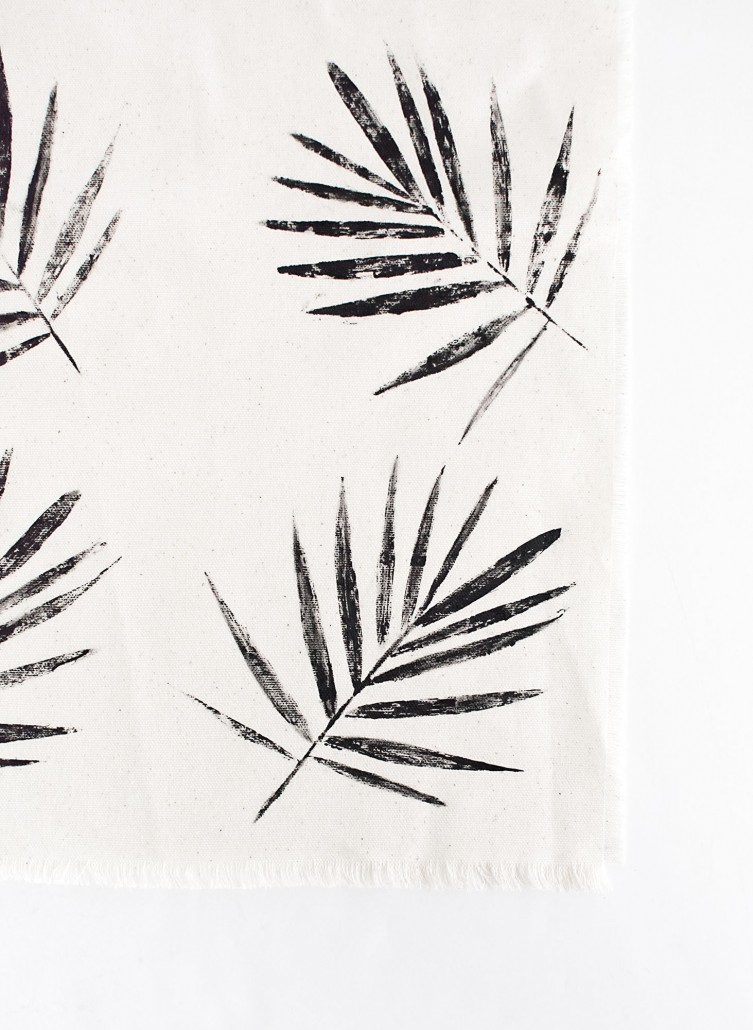 DIY Palm Leaf Napkins stamped with an organic look
