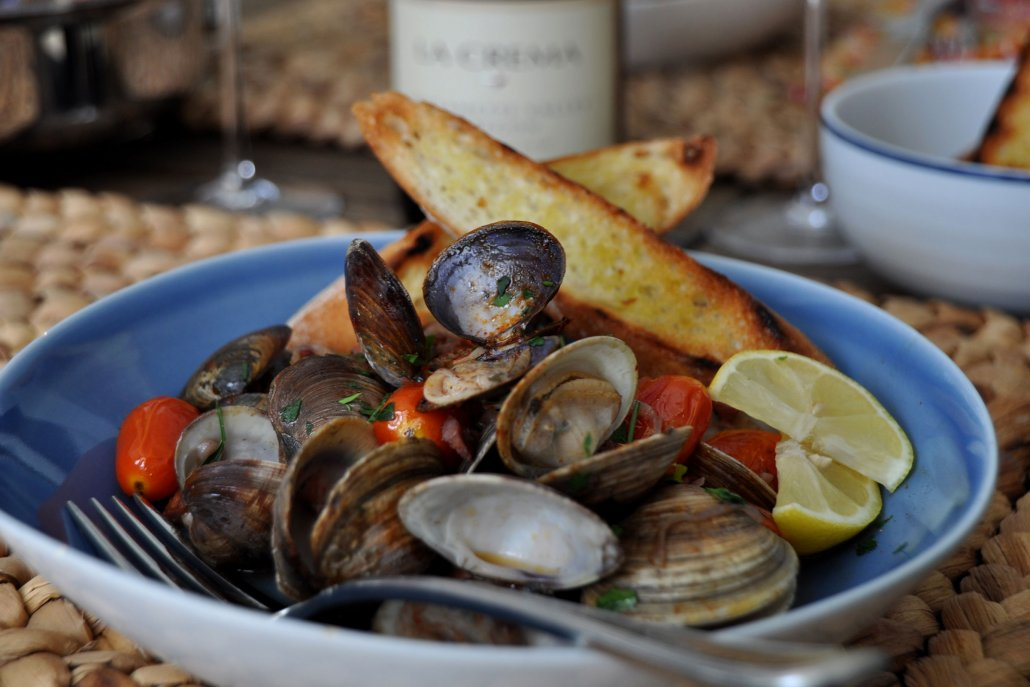 Flavors of Fall: Clams, Chorizo and Pinot Noir
