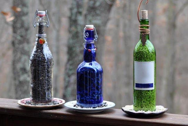 DIY Wine Bottle Decor: Wine Bottle Bird Feeder