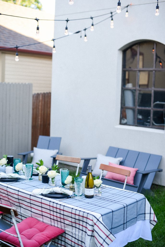 Hosting a Simple and Stylish Backyard BBQ